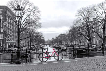 Akrylbillede  Red bicycle in Amsterdam - George Pachantouris