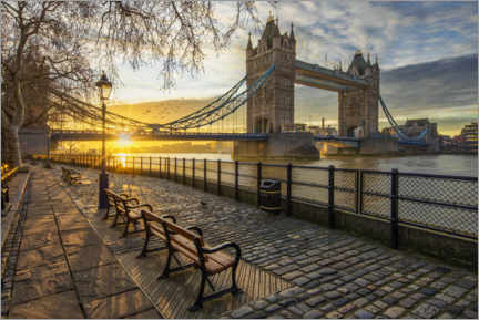 Akrylbillede  Tower Bridge in London at sunrise - Dieter Meyrl