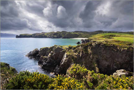 Lærredsbillede  Threatening clouds over the coast and bays of Ireland - The Wandering Soul