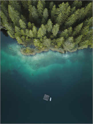 Lærredsbillede  Forest by the lake from above - Lukas Saalfrank