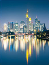 Selvklæbende plakat  Frankfurt skyline reflected in river Main at night, Germany - Matteo Colombo