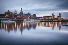 Selvklæbende plakat  Dresden old town at the blue hour - Philipp Dase