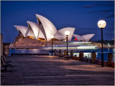 Selvklæbende plakat  A boat passes through the Sydney Opera House - Jim Nix