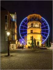 Akrylbillede  Castle tower in Dusseldorf with blue ferris wheel - Michael Valjak