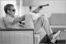 Print på aluminium  Steve McQueen med revolver - Celebrity Collection