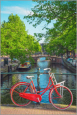 Lærredsbillede  Red bicycle in a canal of Amsterdam - George Pachantouris