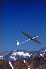 Selvklæbende plakat  Glider pilots over the mountains - David Wall