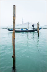 Galleritryk  Gondolier with his gondola on the water in Venice in fog - Jan Christopher Becke