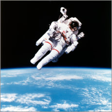 Galleritryk  Astronaut Bruce McCandless with propeller backpack