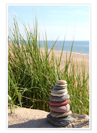 Premium-plakat  A tower of stones on a dune at the sea - Buellom