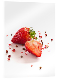 Akrylbillede  Strawberries with red peppercorns - Edith Albuschat