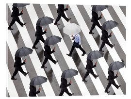 Akrylbillede  Man with umbrella and suit runs as a loner against the tide - Jan Christopher Becke