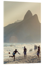 Akrylbillede  Locals playing football on Ipanema - Alex Robinson
