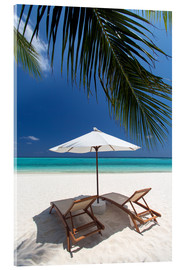 Akrylbillede  Lounge chairs on tropical beach - Sakis Papadopoulos