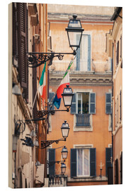 Print på træ  Street in the centre of old town with italian flags, Rome, Italy - Matteo Colombo