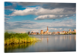 Akrylbillede  View over the river Warnow to Rostock (Germany) - Rico Ködder