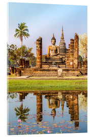 Akrylbillede  Wat Mahathat buddhist temple reflected in pond, Sukhothai, Thailand - Matteo Colombo