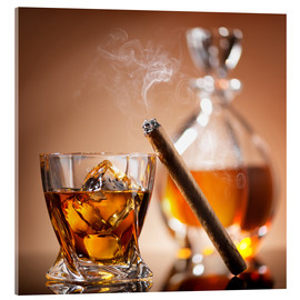 Akrylbillede  Cigar on glass of whiskey with ice cubes