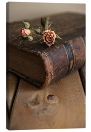 Lærredsbillede  Dry rose and old book - Jaroslaw Blaminsky