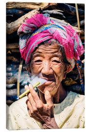 Lærredsbillede  Portrait of old woman smoking cigar, Myanmar, Asia - Matteo Colombo