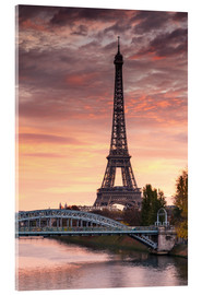 Akrylbillede  River Seine and Eiffel tower at sunrise, Paris, France - Matteo Colombo