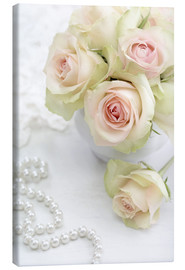 Lærredsbillede  Pastel-colored roses with pearls