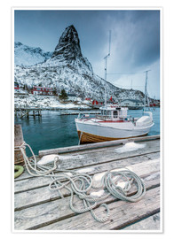 Premium-plakat  A boat moored in the cold sea - Roberto Sysa Moiola