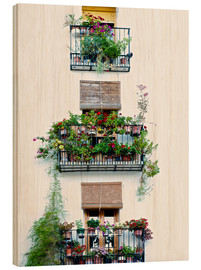 Print på træ  Facade with balconies full of flowers in Valencia