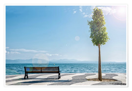 Premium-plakat Shore of Lake Garda with Alps on the horizon