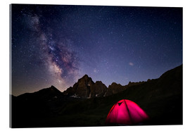 Akrylbillede  Glowing camping tent under starry sky on the Alps - Fabio Lamanna