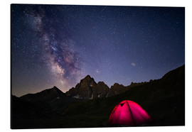 Print på aluminium  Glowing camping tent under starry sky on the Alps - Fabio Lamanna