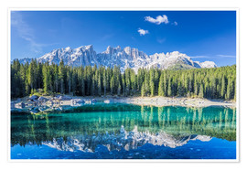 Premium-plakat Lago di Carezza in South Tyrol with Latemar mountains