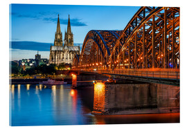 Akrylbillede  Cologne Cathedral and Hohenzollern Bridge at night - Jan Christopher Becke
