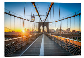 Akrylbillede  Brooklyn Bridge at sunrise in front of the Brooklyn skyline - Jan Christopher Becke