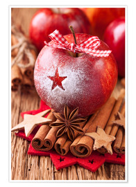 Premium-plakat Red winter apples with cinnamon sticks and anise